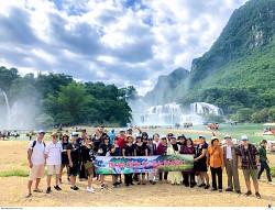 Tour Du lịch Hồ Ba Bể - Thác Bản Giốc 3 Ngày 2 Đêm