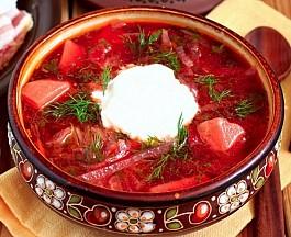 Ngây ngất hương vị món súp củ cải đỏ trứ danh của Nga